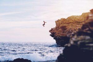 sferya-jump-sea-rock-2
