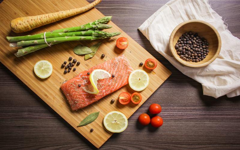 Dieta Paleo: cos'è, pro e contro